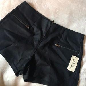 FOREVER 21 black woven shorts